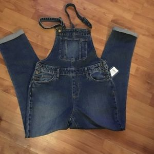 Universal thread Overalls Size 4 NWT
